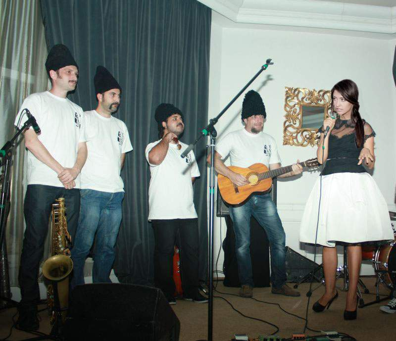 Dezminţire! Prezenţa redactorilor TNR la concertul VUNK şi Antonia nu are legătură cu divorţul artistei