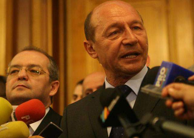 De ce a renunţat Băsescu la serviciile poliţiei