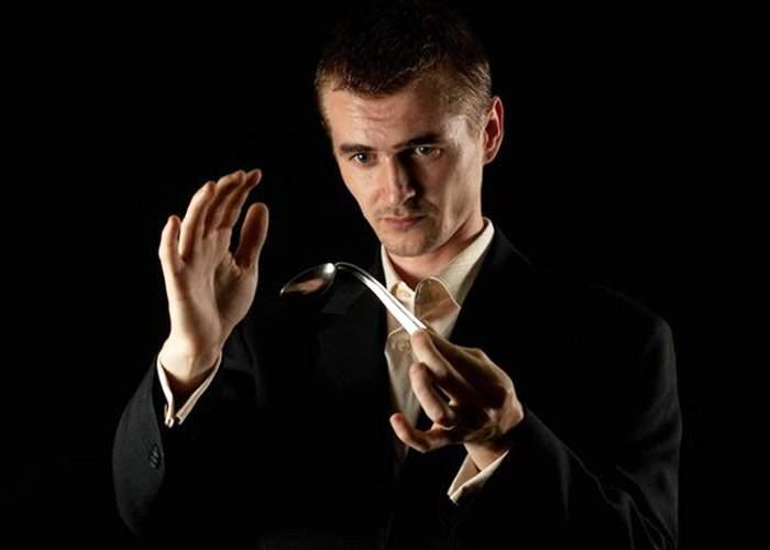 10 lucruri pe care nu le ştiai despre mentalistul Cristian Gog