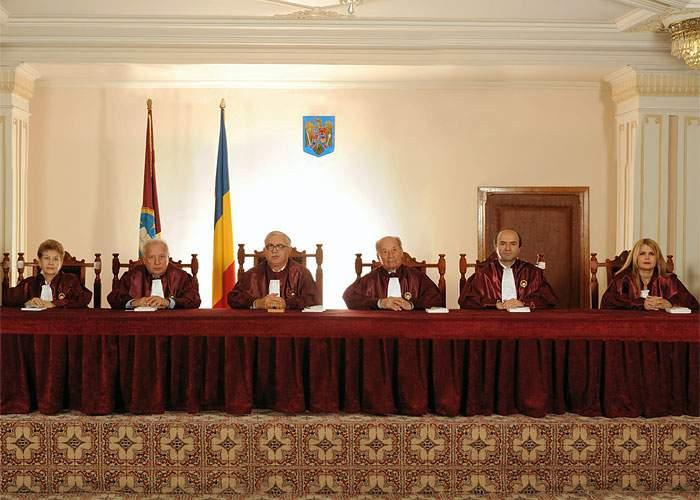 16 atribuţii care i-au mai rămas Curţii Constituţionale