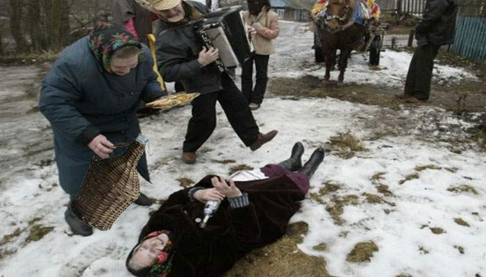 8 Martie în Vaslui. Femeile au avut primii 3 litri de poşircă gratis!