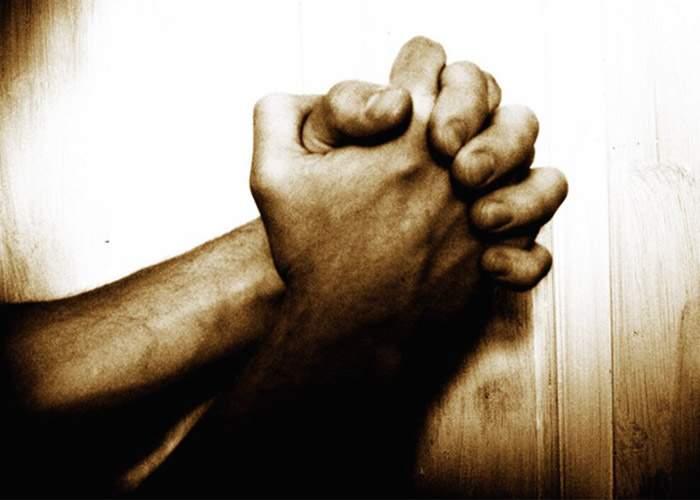 Ateii din România se roagă în Săptămâna Mare la Dumnezeu să le dea puterea să nu creadă