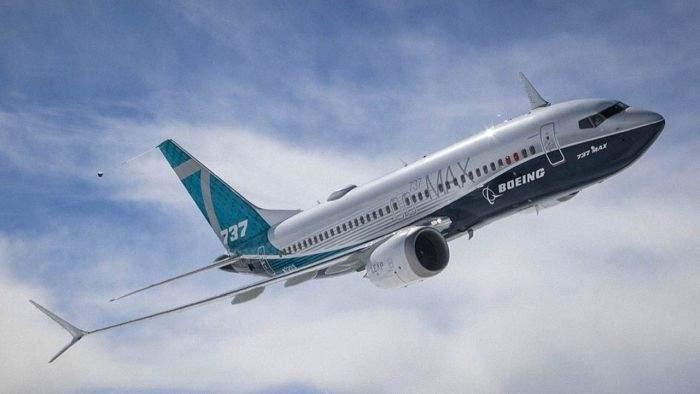 Pasagerii avioanelor Boeing 737 MAX vor putea aplauda înainte de decolare, că nu se știe