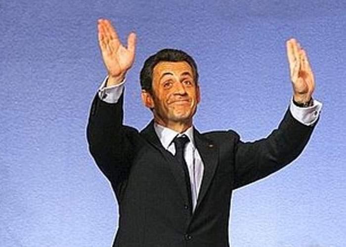 Tradiţii la francezi: mâinile ridicate, secretul unei capitulări reuşite