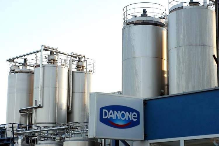 Danone retrage de pe piaţă tone de iaurt contaminat cu lactoză, un compus care se găseşte în lapte