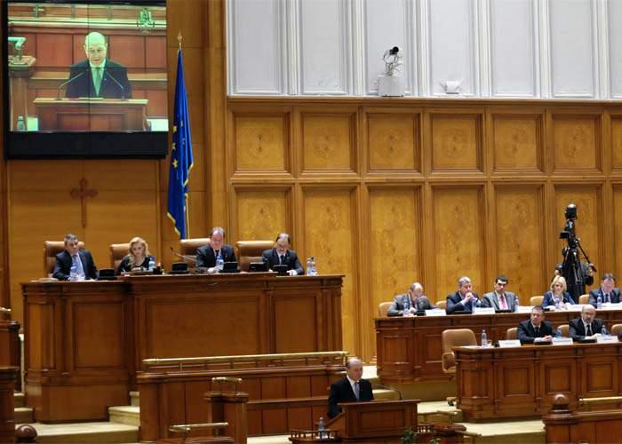 Demisia lui Traian Băsescu a trecut neobservată din cauza închiderii Facebook