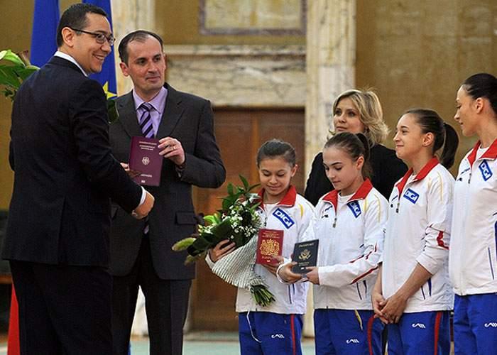 Guvernul îi răsplăteşte pe campionii olimpici: vor avea dreptul să nu se mai întoarcă în ţară!