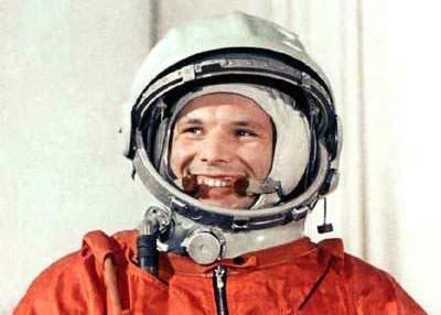 Mulţi români spun că în locul lui Gagarin nu s-ar mai fi întors