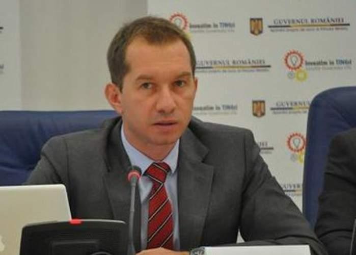 Deputatul Mihai Sturzu propune remixarea imnului naţional, să poată fi ascultat şi în discoteci