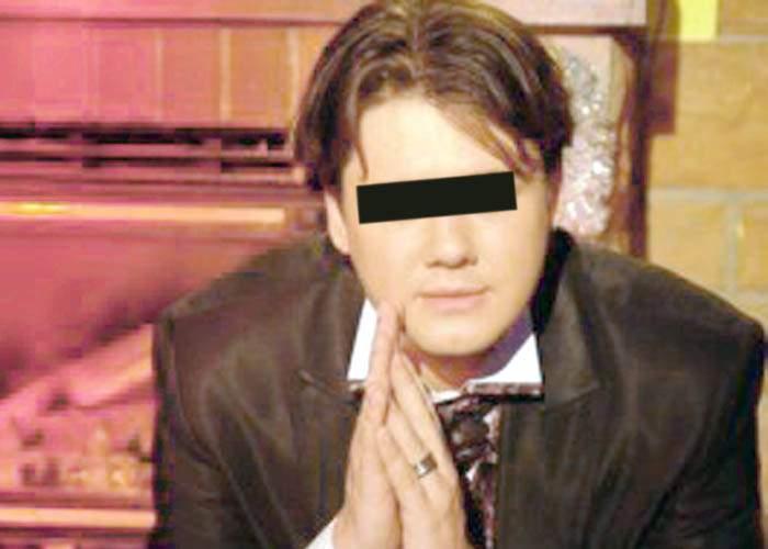 Un tânăr onanist din Bucureşti şi-a asigurat mâinile pentru 900.000 de euro