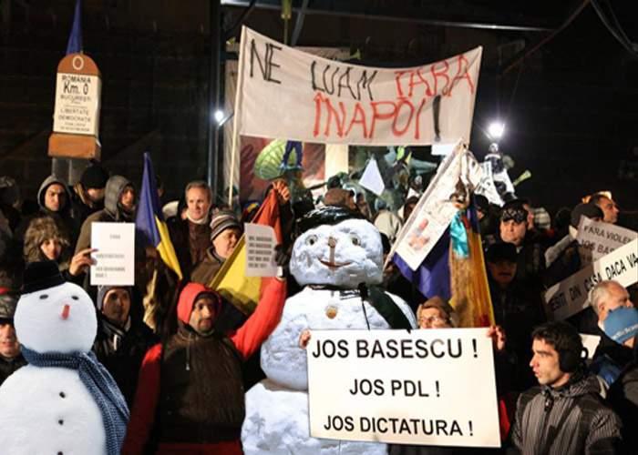 Ponta: Mii de oameni de zăpadă vor ieşi în stradă pentru USL!