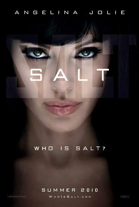 Salt – Angelina, umbli fără chiloţi?!