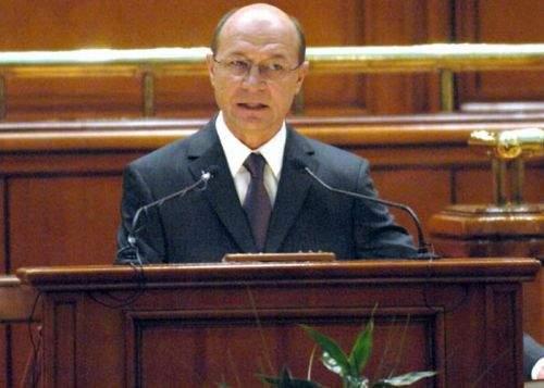 Traian Băsescu a propus angajarea de parlamentari chinezi, deoarece sunt mai ieftini