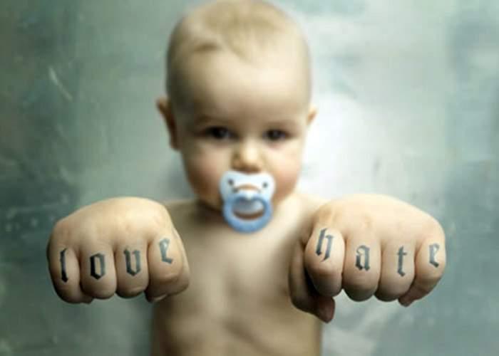 Un bebeluş din Vaslui şi-a snopit în bătaie tatăl!