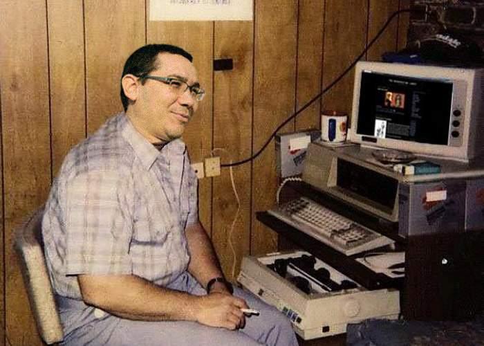 """Victor Ponta, acuzat că le trimite bugetarilor spam cu """"Mărire de Salariu"""""""