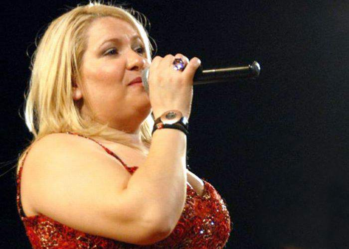 """Viorica din Clejani se plânge că are o boală de piele: """"Îmi ies kilograme peste tot"""""""