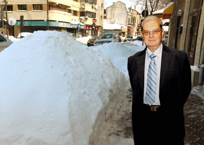 Mencinicopschi avertizează: cea mai mare parte a zăpezii de pe străzi e contrafăcută!