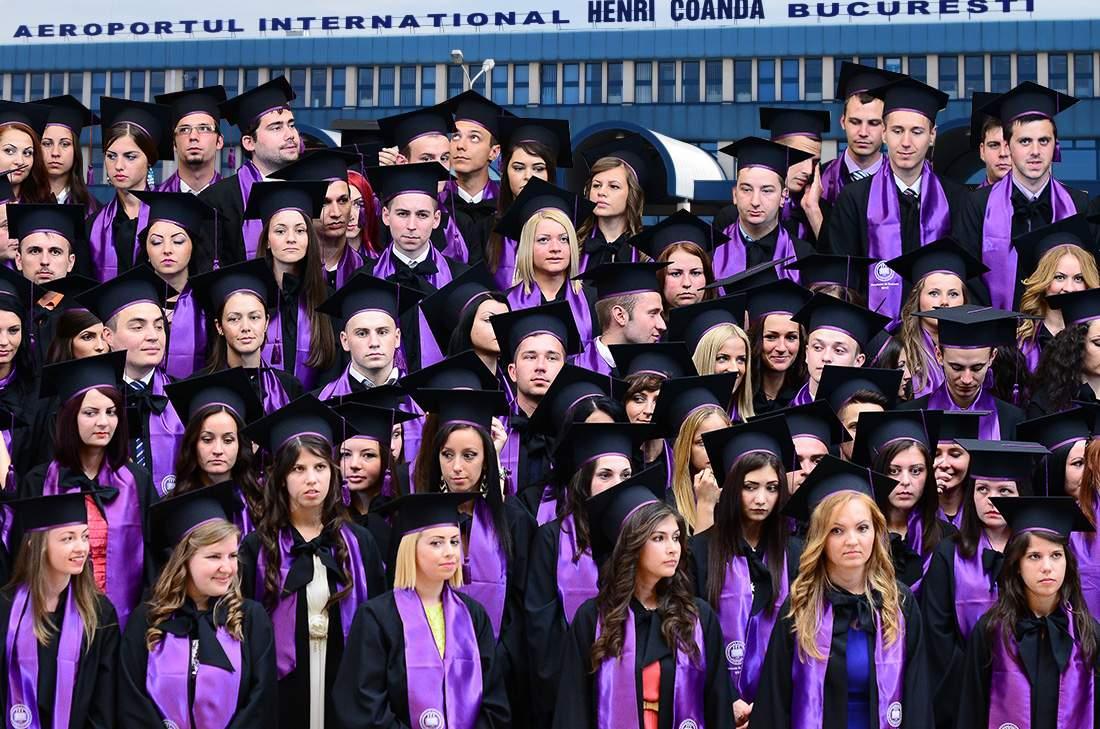 Festivitatea de încheiere a anului universitar va avea loc pe aeroportul Otopeni, la plecări