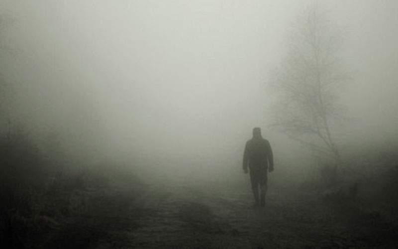 Ceaţa face prima victimă! Un român credea că intră în birt, dar a intrat în casă