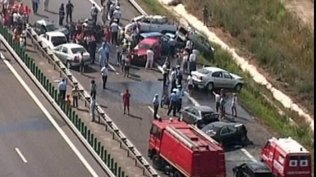 7 maşini care transportau droguri spre Neversea, implicate într-un accident în lanţ pe A2