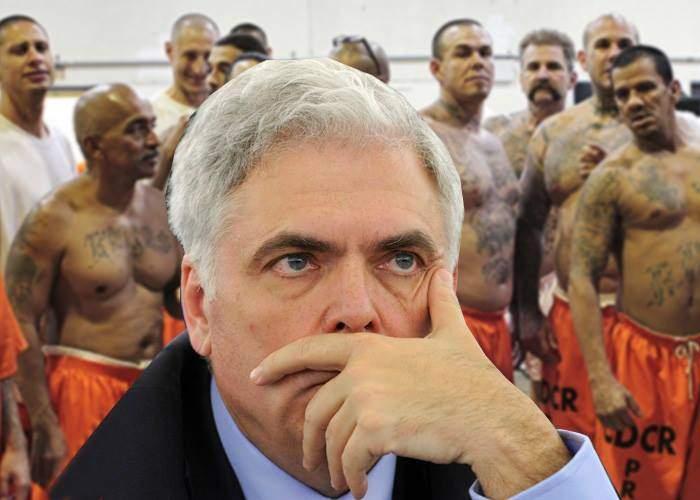 Vin sărbătorile! Românii speră ca porcul de Adrian Severin să guițe cât mai mult în închisoare