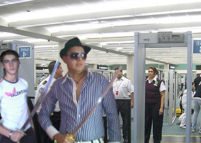 Aeroportul Craiova se închide! 90% din pasageri nu erau lăsaţi în avion din cauza săbiilor ninja