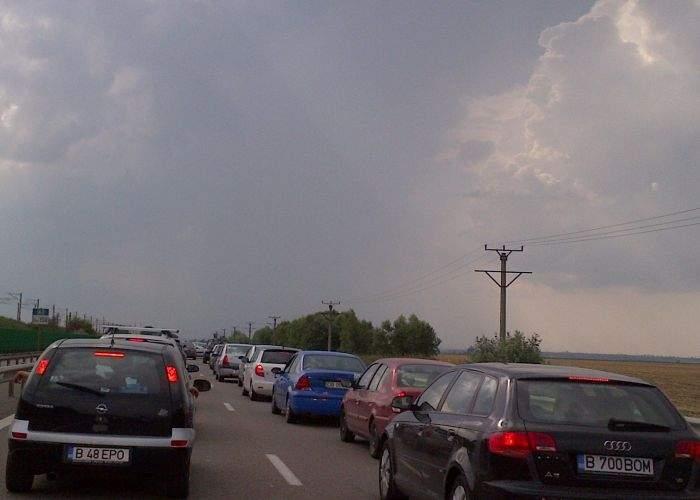 Ingenios şi eficient! Un român a săpat un tunel pe sub Autostrada Soarelui şi a ajuns primul la mare