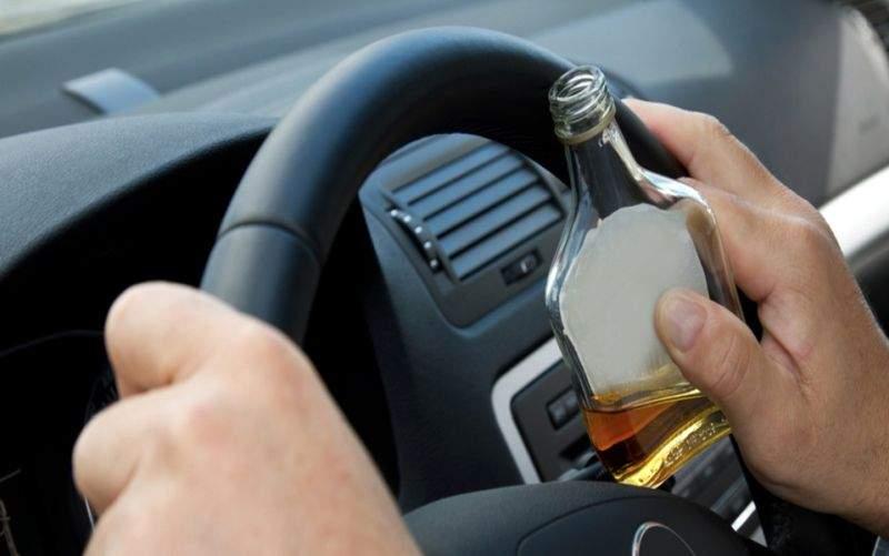 Consumul de alcool a scăzut drastic de când românii nu se mai urcă la volan