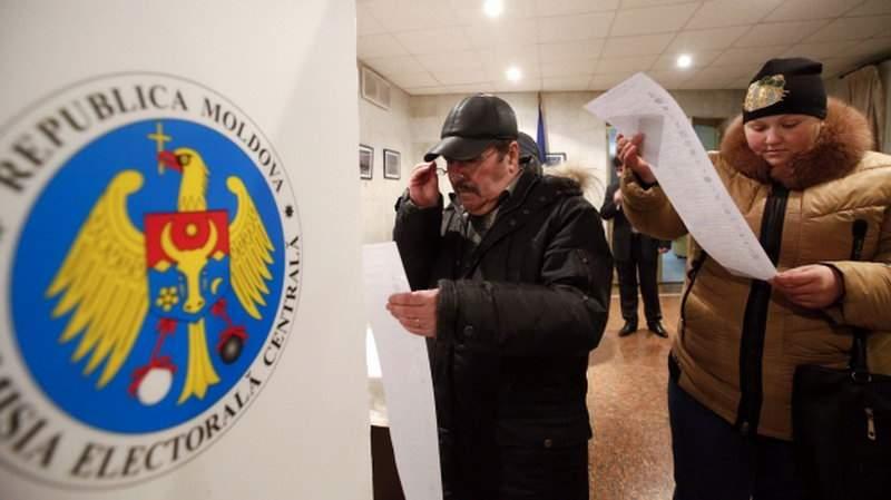 Învingătorii alegerilor din Moldova primesc pașaport românesc și pot pleca în Italia