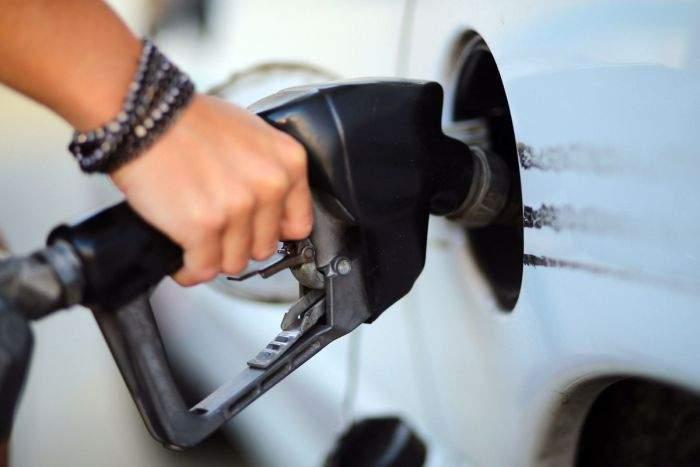 """După ce și-a luat un SUV, un român și-a cumpărat și benzinărie: """"La cât consumă, rentează"""""""