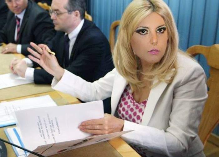 Preşedintele cere înlocuirea ministrului Elena Udrea cu cineva profesionist: Alina Plugaru