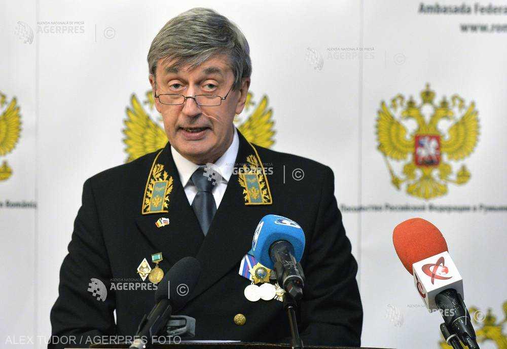 Ambasadorul rus a căzut pe geam după ce-a zis că în Rusia e libertate de exprimare