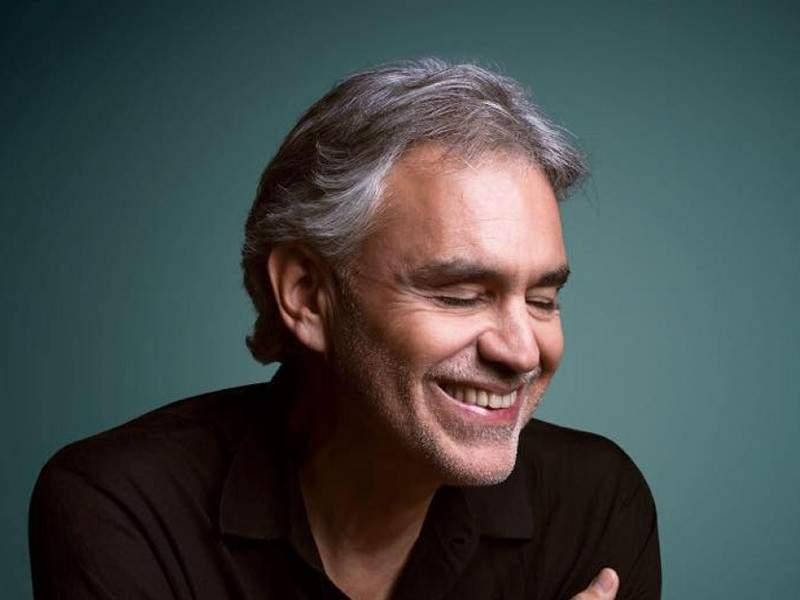 Andrea Bocelli şi-a făcut schimbare de sex şi acum îl cheamă tot Andrea