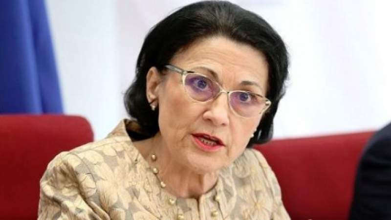 """Andronescu, uimită de demitere: """"Am aflat de la televizor că eram ministrul Educaţiei"""""""