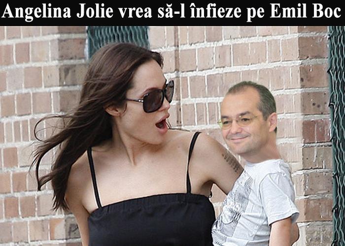 angelina_jolie_il_infiaza_pe_boc