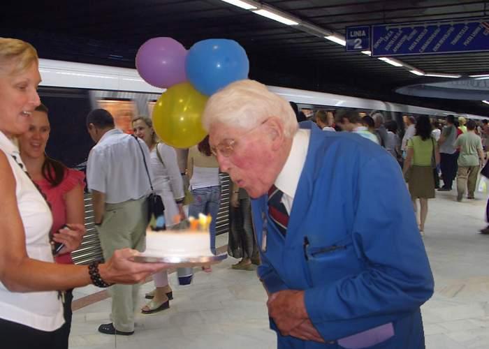 Sărbătoare în metroul bucureştean! Un bodyguard de la Scorseze Security a împlinit 100 de ani