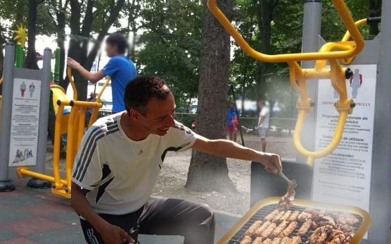 Un român a reparat aparatele de fitness din parcuri şi acum poţi face grătar pe ele