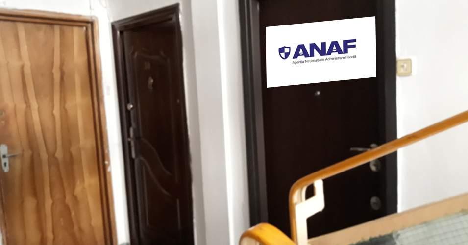 Ingenios! Un român şi-a scris ANAF pe uşă şi l-au ocolit toți colindătorii