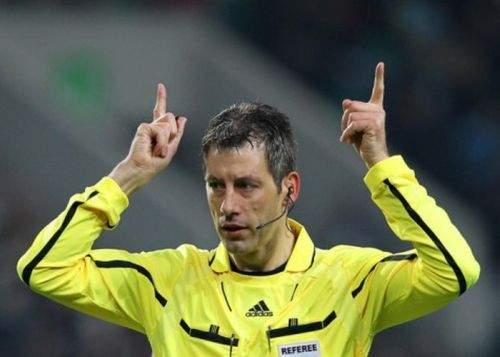 Arbitrii români râd de arbitrii finalei Europa League pentru că nu ştiu să ia şpagă