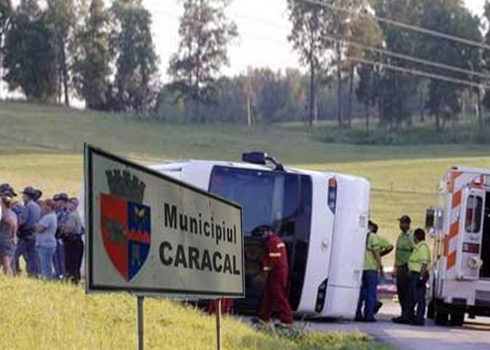 Un autocar plin cu simpatizanţi PP-DD s-a răsturnat în mod misterios la Caracal