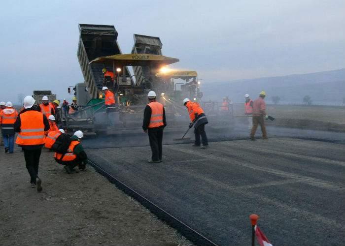 Autostrada Sibiu-Piteşti va fi construită în regim de mall. Aşa are toate şansele să apară peste noapte