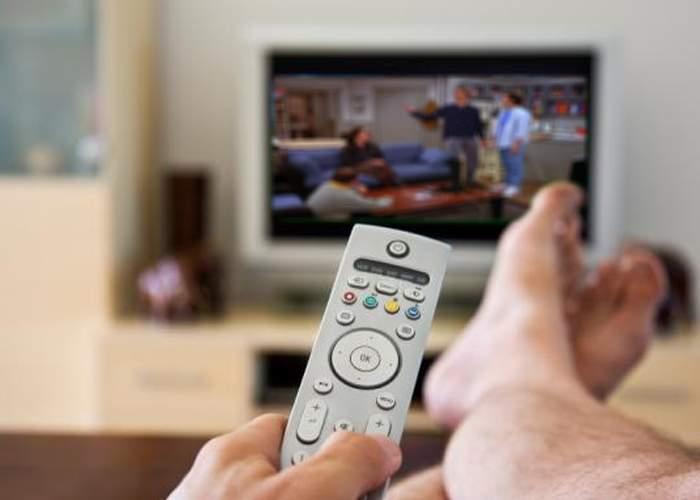 Un bărbat a văzut 174 de episoade din serialul preferat în timp ce soţia lui s-a aranjat la baie