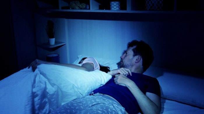Studiu! 87% din cuplurile cu o singură plapumă în dormitor sfârșesc prin a se despărți
