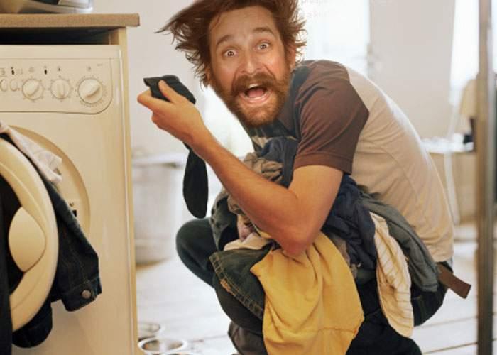 """Un bărbat a divorţat după ce a învăţat să folosească maşina de spălat: """"Nu mai am nevoie de soţie"""""""