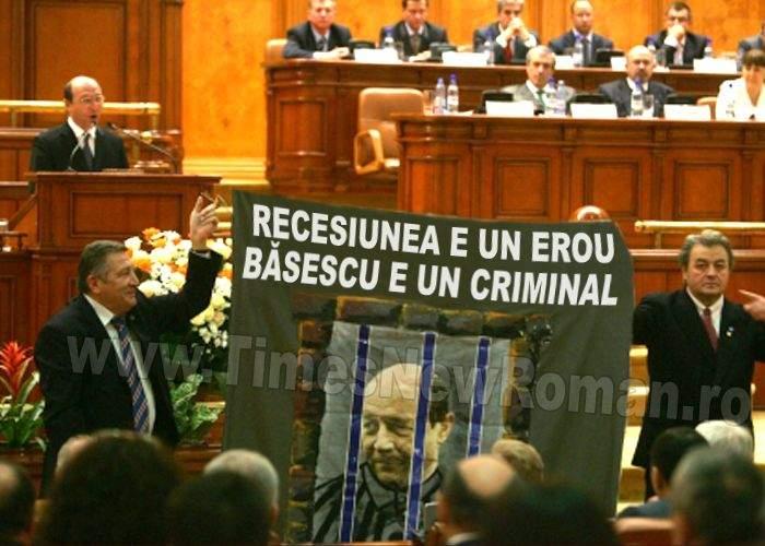 Traian Băsescu, primul șef de stat care a condamnat recesiunea