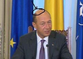 Petele lui Băsescu, scenarii: au apărut la beţie, sunt pete de sânge, au luat forma chipului lui Isus