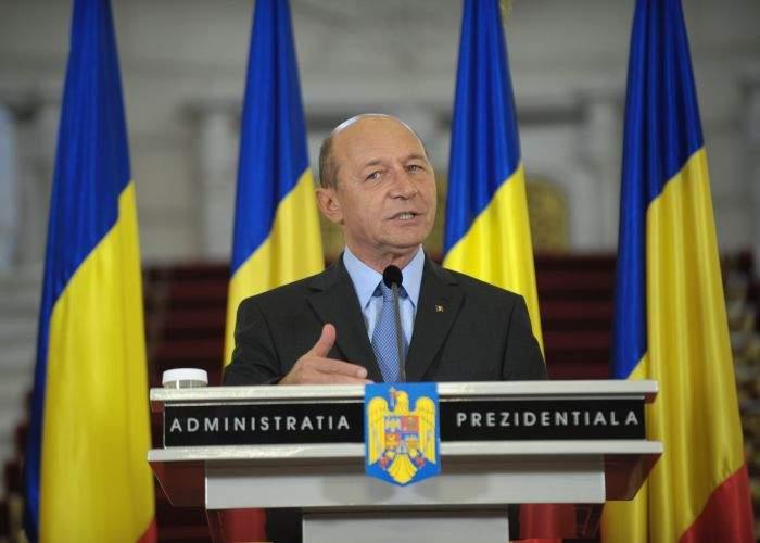 """Băsescu explică desemnarea lui Ponta ca premier: """"M-a convins CV-ul lui"""""""