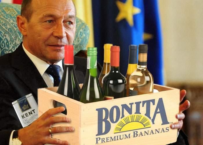 Băsescu, succes la Chişinău! A adus un bax de ţigări netimbrate şi 20 de kile de vin de Dubăsari