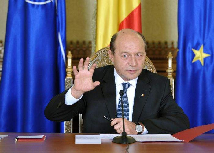 Băsescu vrea să devină un preşedinte-judecător