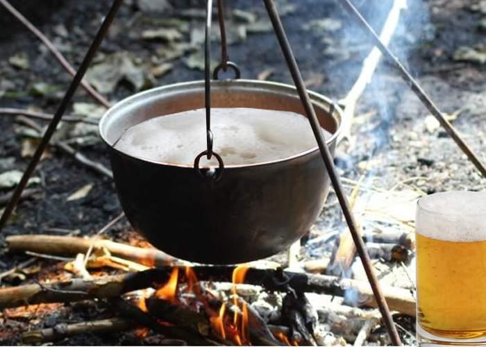 Ca să fie cu adevărat fierbinte, multe localuri din Centrul Vechi servesc acum bere la ceaun